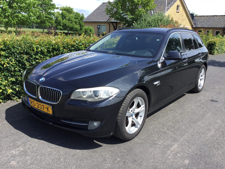 Foto van BMW 5 Serie Touring 525xd 218 PK High Executive