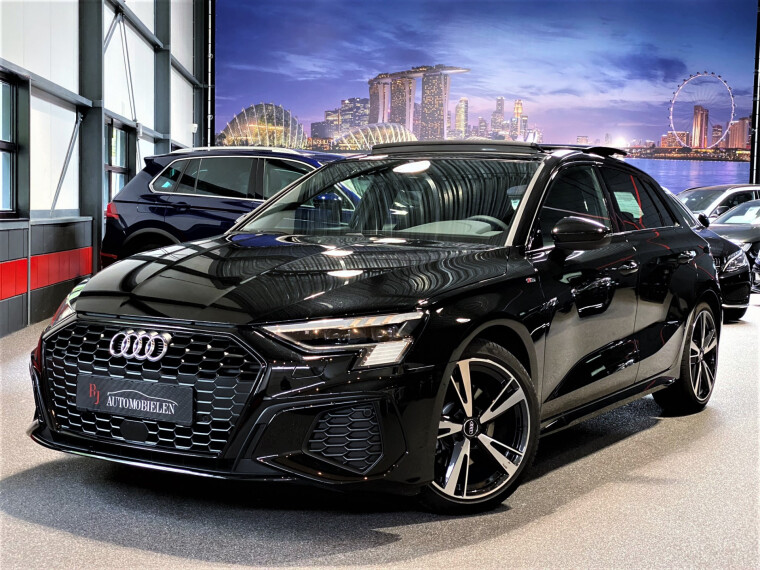 Foto van Audi A3 Sportback 35 TDI Sport S Line Edition Panorama