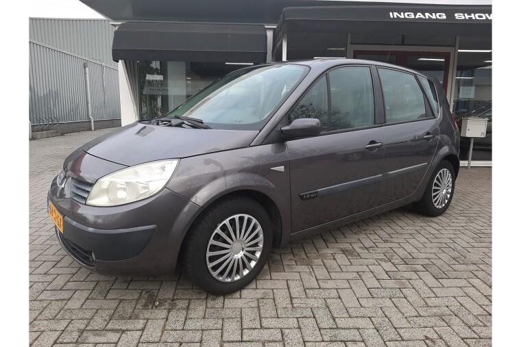 Foto van Renault Scénic 1.6-16V Expression Luxe