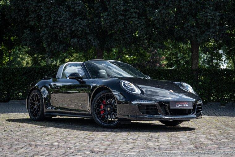 Foto van Porsche 911 3.8 Targa GTS 4S | Alcantara | Carbon inleg | Prijs Incl. BTW - Fabrieksgarantie!