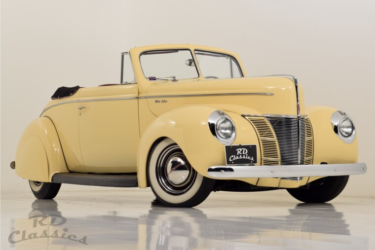 Ford Deluxe Convertible