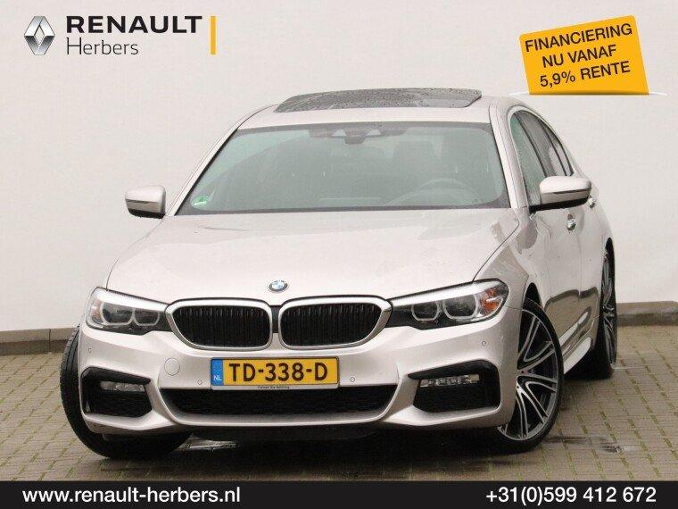 Foto van BMW 5 Serie 540i High Executive / HARMAN KARDON / INDIVIDUAL / SCHUIFDAK / NAVI PROFF