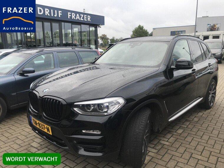 Foto van BMW X3 190 PK sDrive18d High Executive BTW