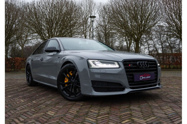 Foto van Audi S8 4.0 TFSI quattro - Panorama l Bose l Head-up l Carbon - Incl 3 mnd GARANTIE!