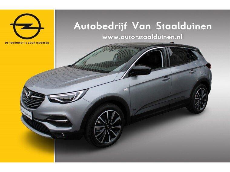 Foto van Opel Grandland X 1.6 Turbo Hybrid Ultimate