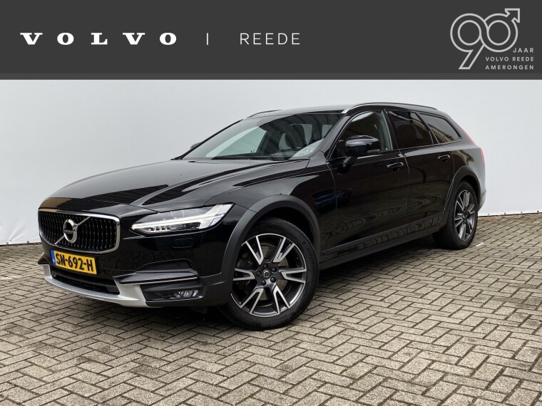 Foto van Volvo V90 Cross Country D4 Automaat Momentum Family Line