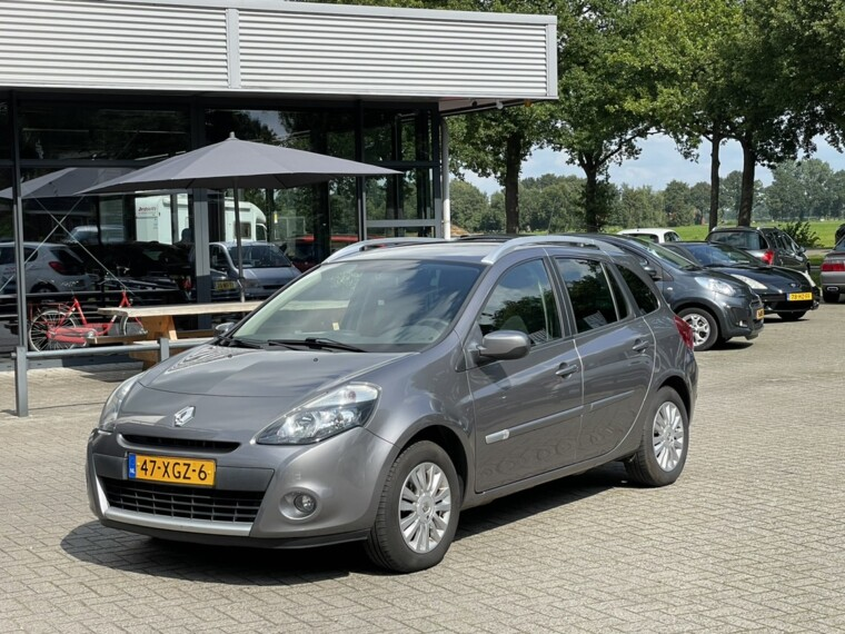 Foto van Renault Clio Estate 1.2 TCE Collection Airco/Cruise/Trekhaak/Nette staat
