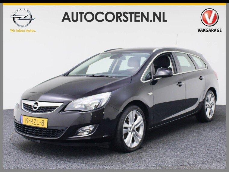 Foto van Opel Astra Sports Tourer 1.4T Sport 120pk