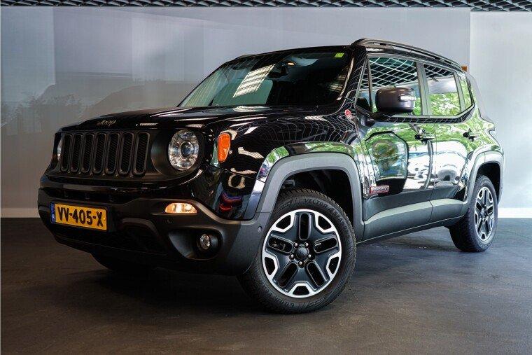 Foto van Jeep Renegade 2.0 MultiJet Trailhawk 170PK 4x4 GRIJS KENTEKEN | Prijs excl. BTW en BPM NIEUWSTAAT!