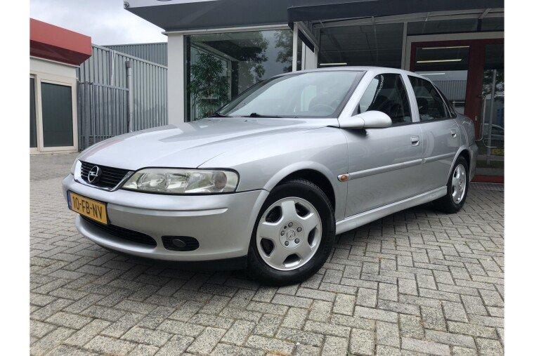 Foto van Opel Vectra 2.0-16V Diamond
