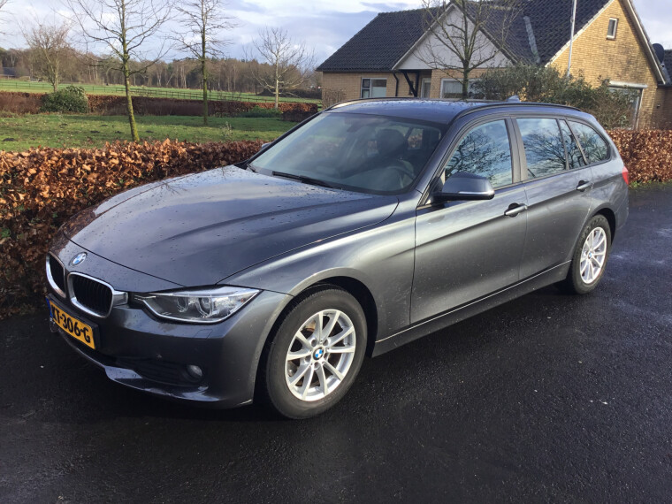 Foto van BMW 3 Serie Touring 318d 143 PK Upgrade Edition