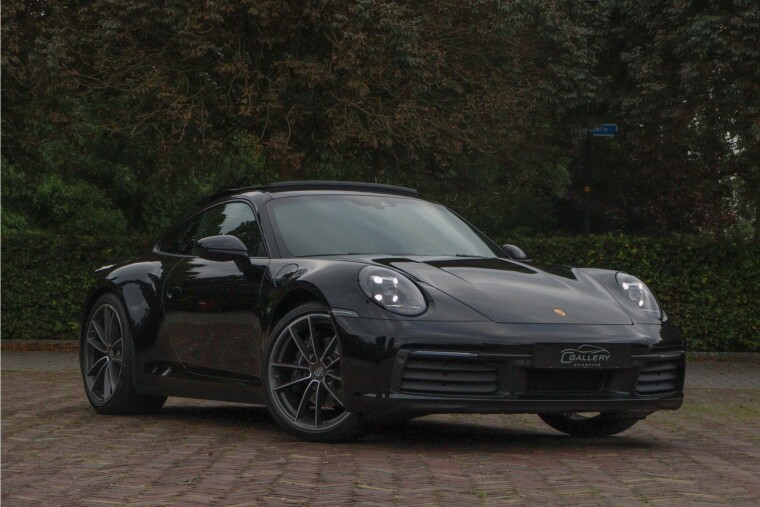 Foto van Porsche 911 - 992 3.0 Carrera l Sport Chrono l Panorama l 4-wiel aandrijving