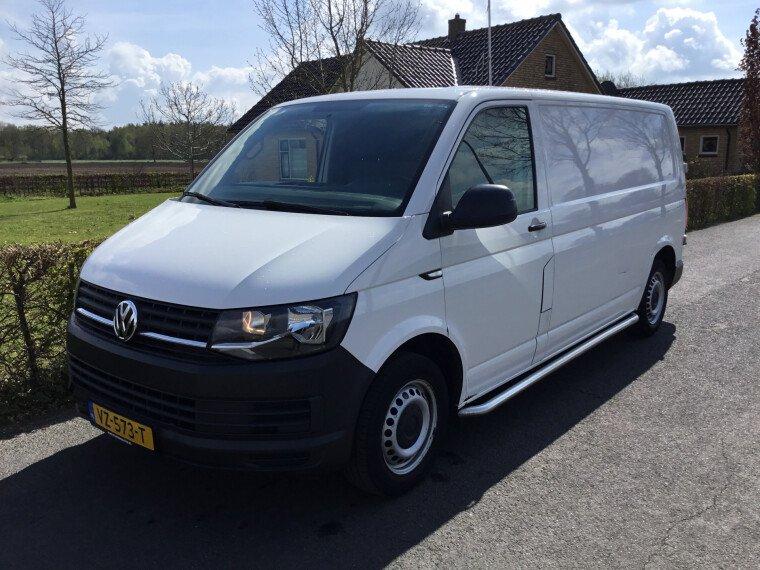 Foto van Volkswagen Transporter 2.0 TDI L2H1